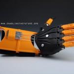 Tiens, voilà main droite imprimée en 3D